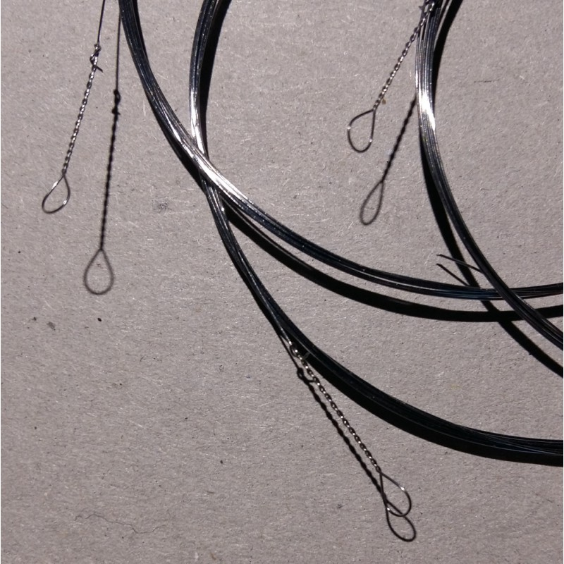 corde clavecin sur échantillon